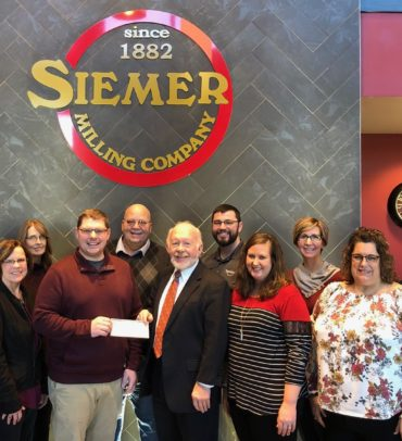 Siemer Milling Company Generously Donates to United Way